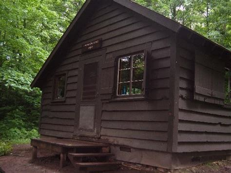 Porcupine Mountain Cabins by 301 Moved Permanently