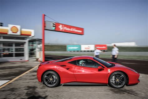 www fiorano it this is what it s like to drive a 488 gtb around