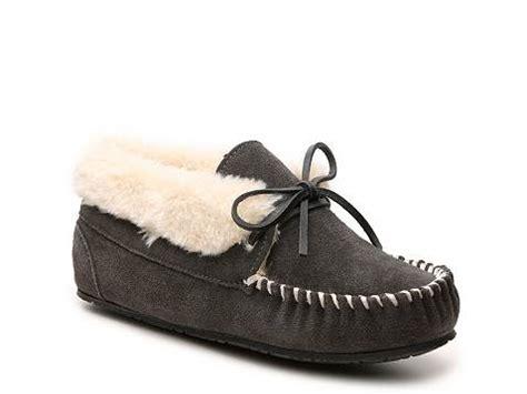 moccasin bootie slippers minnetonka jr moccasin bootie slipper dsw