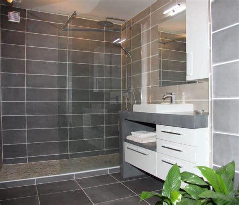 Exceptionnel Modele Salle De Bain Italienne #4: grande-salle-de-bain-moderne-et-design-atlantic-bain.jpg