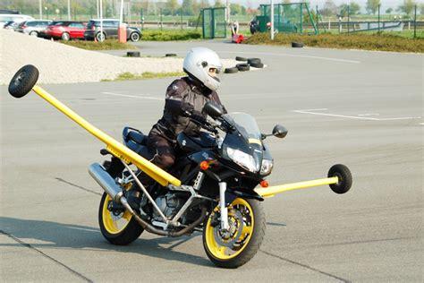Motorrad Bilder by Motorrad Touren Adac Fahrsicherheitstraining