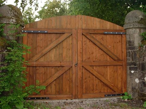 wood swing gate handcrafted bespoke wooden gates craft gates