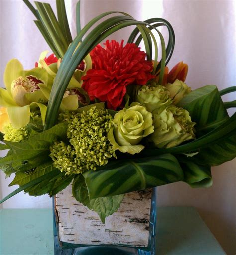 Home Decor Flowers Home Decor Interior Flower Arrangement Centerpieces S Centerpieces Tropical Flowers Fresh Cut