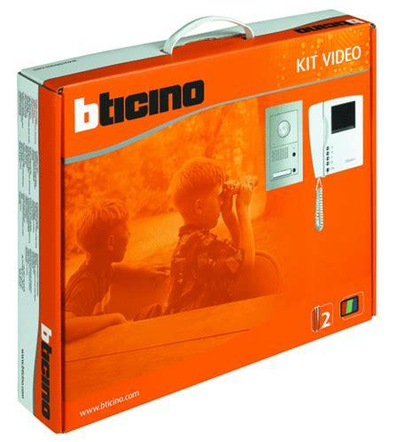videocitofono swing bticino kit vivavoce bifamiliare composto da videocitofoni