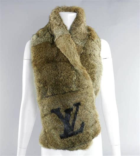 louis vuitton rex rabbit fur lv logo scarf limited