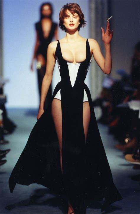 Designing Couture In The City Fashion by 17 Best Images About Thierry Mugler On Stables