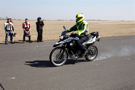 Hu Motorrad by A Bmw Motorrad Vezet 233 Stechnikai Tr 233 Ningek Filoz 243 Fi 225 Ja