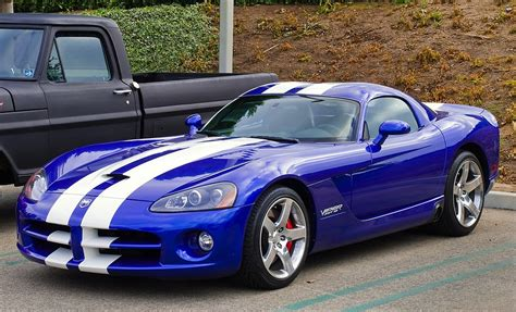 how it works cars 2003 dodge viper security system file dodge viper srt 10 jpg wikimedia commons