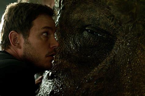 blue trailer legendado dinossauros aterrorizam no novo trailer legendado de