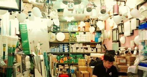 Lu Gantung Di Pasar Kenari sentra penjualan alat alat listrik lu hias terbesar