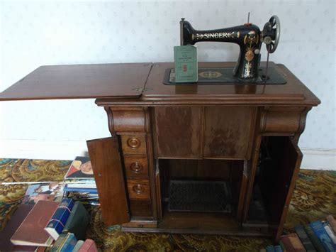 vintage treadle singer sewing machine no 99 in wooden