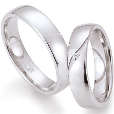 Wei Gold Hochzeitsringe by Hochzeitsringe Aus Wei 223 Gold Mit Fr 228 Sung Und Brillant Beim