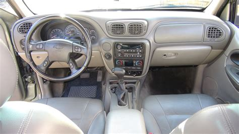 2003 chevrolet trailblazer interior