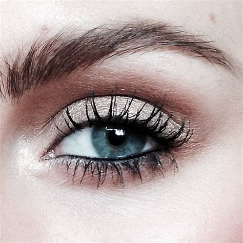 tattoo eyeliner on waterline how to make waterline eye liner stay put get this selena