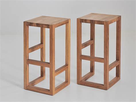 sgabelli legno design sgabello in legno massello step vitamin design