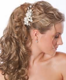 Wedding hairstyles curly down for natural bride look