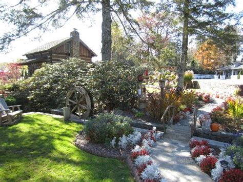 Azalea Garden Inn Blowing Rock Nc Cabin And Grounds