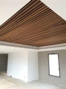 faux plafond bois cuisine mzaol