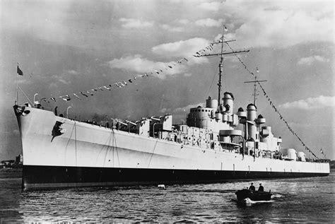 uss new jersey sinks island crew of uss o kane honors wwii sailors killed in uss