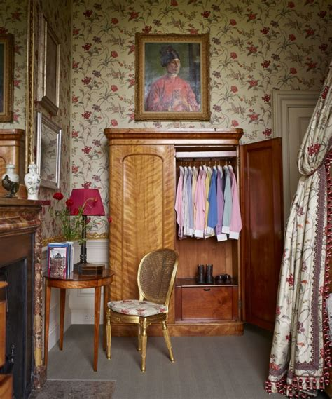 house style five centuries 0847858960 habitually chic 174 187 house style five centuries of fashion at chatsworth