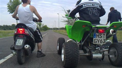 Motorr Der Bis 50ccm by 1 Bl 246 Der Roller Fahrer Der Glaubt Das Das Ein 50 Ccm