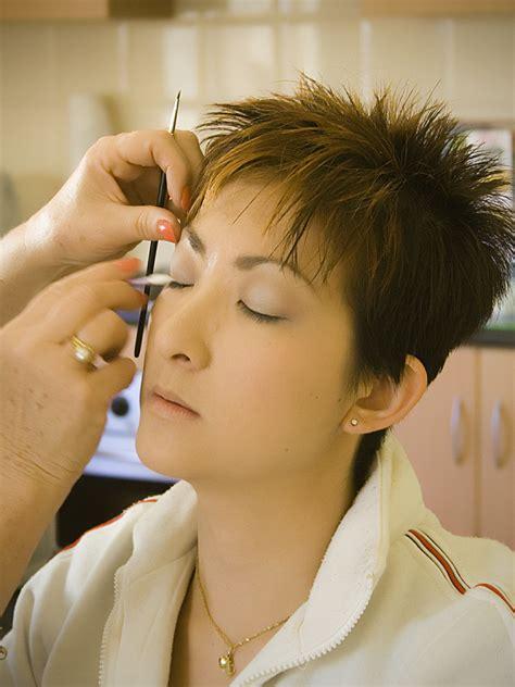 Make Up Prewedding file pre wedding make up jpg wikimedia commons