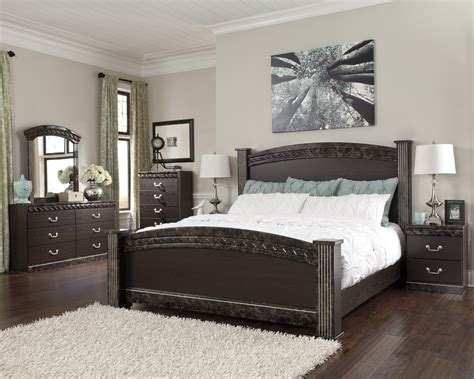 ashley signature furniture bedroom sets buy vachel bedroom set by signature design from www