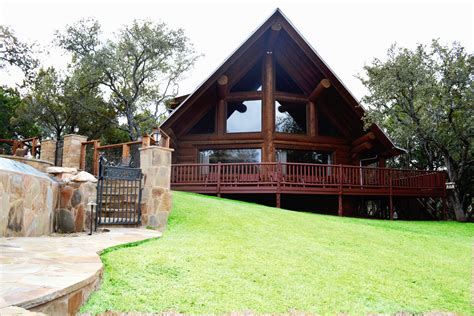 Country Cabin Getaways by 5 Gorgeous Hill Country Cabin Getaways