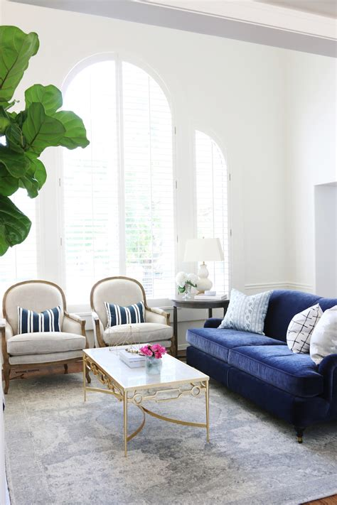 blue velvet sofa living 25 stunning living rooms with blue velvet sofas