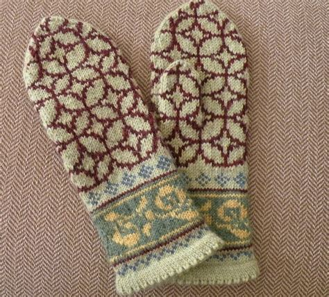 ravelry pattern library ravelry maxinedaley s christmas mittens 1http www
