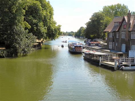 thames river in oxford river isis thames oxford 169 david dixon cc by sa 2 0