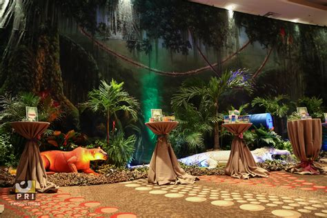 safari themed events quot it s a jungle out there quot trade show the backdrop props