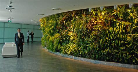 qantas lounge sydney vertical garden blanc
