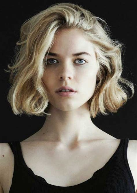 wavy hair blunt bottomed bob 40 gorgeous wavy bob hairstyles to inspire you wavy bobs
