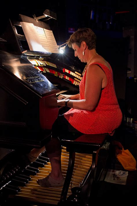 Organ Concert Brings To Audiences Stearnes Delights At The Washington Center S Free