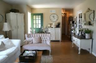 Wainscoting Colors Schemes - how to achieve a french country style