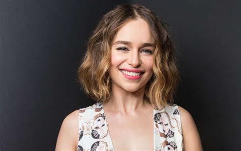emilia clarke wallpapers images pictures  desktop high