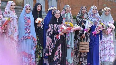 Baju Muslim Hari Ini Busana Muslim Syar I Ini Siap Percantik Muslimah Di Pulau