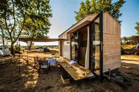 amazing tiny homes family designs builds amazing tiny vacation house