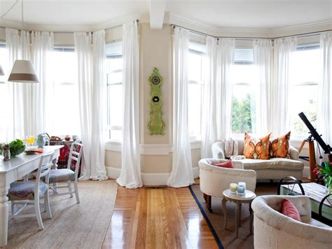 gardinen erker coastal apartment makeover hgtv