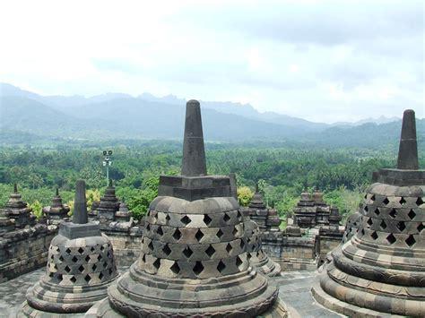 A Place Indonesia Indonesia Interesting Places Borobudur Temple
