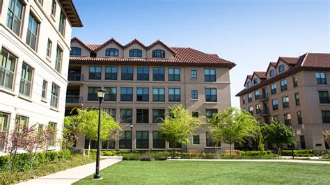 Stanford Mba College Seniors by Mba Student Housing For Stanford Mba Students Stanford