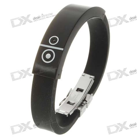 Vibrating Wristband Alerts You Of Incoming Calls Techie Divas Guide To Gadgets by Bluetooth V1 2 Incoming Call Vibrate Alert Bracelet
