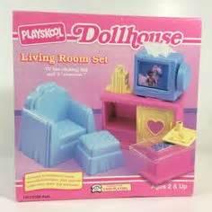 dollhouse 1990s 1991 playskool doll house loaded vintage