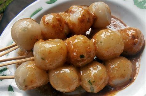 Cilok Goreng Pasundan Rasa Pedas 4 cemilan populer dari sunda cilok cireng cimol katalog tempat wisata liburan