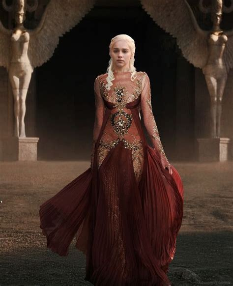 cast of game of thrones in costume game of thrones cast costumes daenerys targaryen emelia