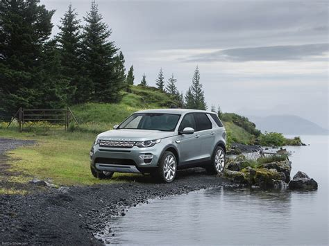 Land Rover Discovery Sport 2014 Wallpaper 1600x1200 36549
