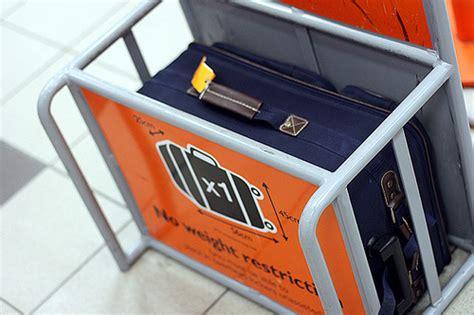 easyjet bagaglio a mano cosa portare bagaglio a mano easyjet nuova regola cosa cambia
