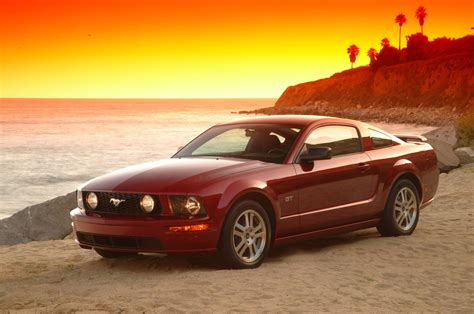 2005 Ford Mustang Gt by 2005 Ford Mustang Gt Track Test Review Motor Trend