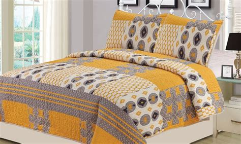 Williamsburg Quilts by Williamsburg 3 Quilt Set Groupon
